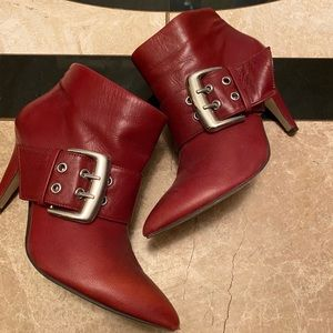 Beautiful Red leather Nine West booties